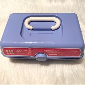 Caboodles Pretty in Petite Periwinkle Makeup Case